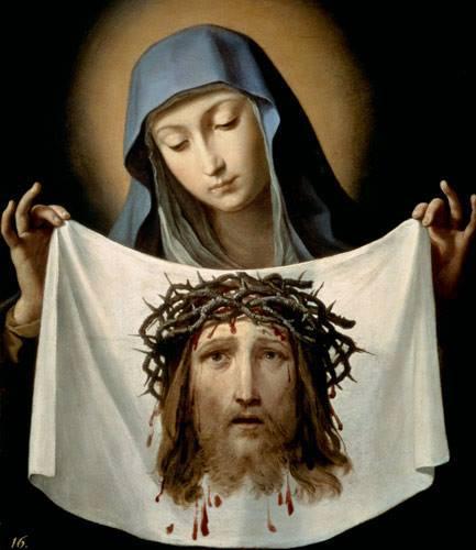 mary with veil
